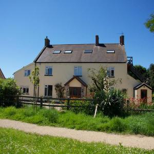 Hotel Pictures: Lower Stock Farm Bed and Breakfast, Langford