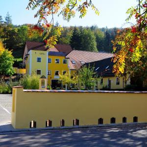 Hotelbilleder: Hotel Schlossresidenz Heitzenhofen, Kleinduggendorf