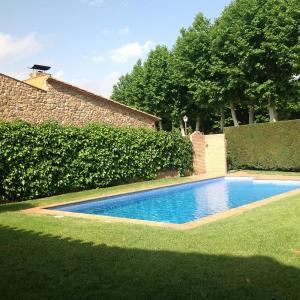 Hotel Pictures: Villa Can Coll, Peratallada