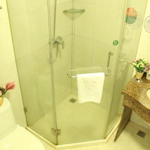 Hotel Pictures: Green Alliance Jiangsu Lianyungang Jiefang E) Road Motor City Hotel, Lianyungang