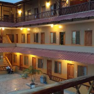 Hotel Pictures: Hotel Mediterraneo, Canoa