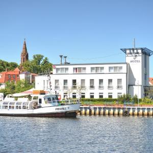 Hotelbilleder: HafenHotel PommernYacht, Ueckermünde