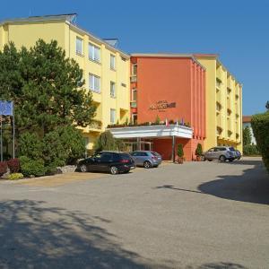 Hotel Pictures: Hotel Akademie, Velké Bílovice