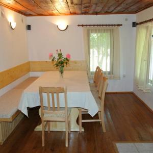 Hotellikuvia: Lazarovata House, Rebrevtsi