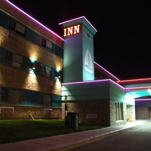 Hotel Pictures: Lakeland Inn Hotel, Cold Lake