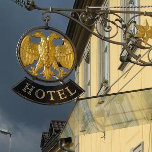 Hotel Pictures: Hotel Goldener Adler, Hallstadt