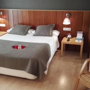 Hotel Pictures: Hotel Sercotel Iriguibel Huarte Pamplona, Huarte