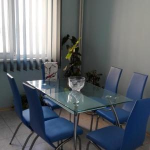 Hotel Pictures: Kristalona Apartment, Plovdiv