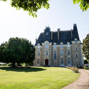Hotel Pictures: Au Chateau de Montbraye, Parigné-l'Évêque