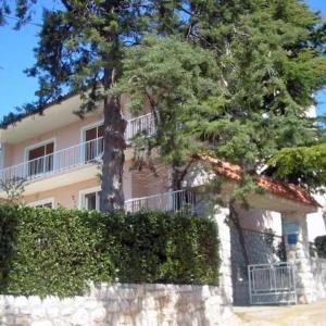 Hotel Pictures: Two-Bedroom Apartment Crikvenica 2, Dramalj