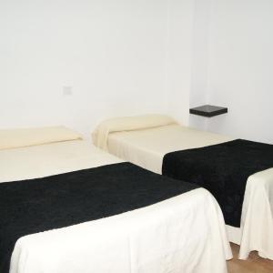 Hotel Pictures: Habitaciones El Escorial, Majadahonda