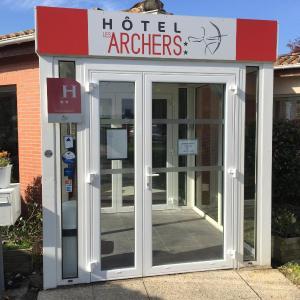 Hotel Pictures: Hôtel Les Archers, Chambretaud
