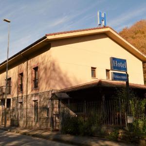 Hotel Pictures: Hotel Restaurante Ribera del Chicu, Arriondas