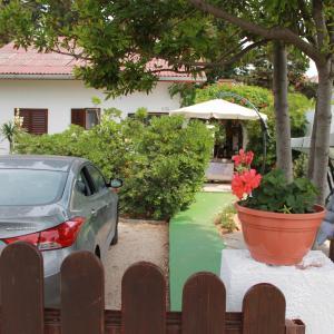Foto Hotel: Apartments Kiara Sabunike 836, Privlaka