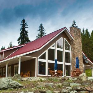 Hotel Pictures: Tod Mountain Guest Cabins, Sun Peaks