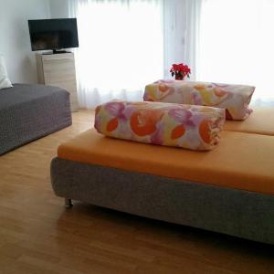 Hotel Pictures: Ferienzimmer Arth am See, Arth
