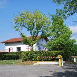 Hotel Pictures: Camping Bixta Eder, Cambo-les-Bains