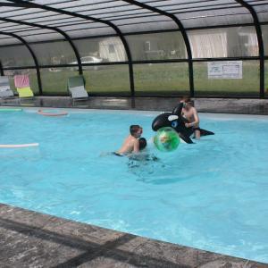 Hotel Pictures: Camping Au Vert de l'Authie, Wavans