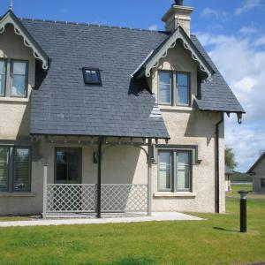 Hotel Pictures: Superior Lodge at Lough Erne, Enniskillen
