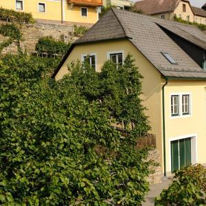Foto Hotel: Winzerhof & Gästehaus Bernhard, Weissenkirchen in der Wachau