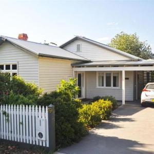 Hotellikuvia: Ingleby Cottage, Healesville