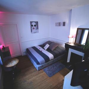 Hotel Pictures: B&B Edith Room, Bourg-la-Reine