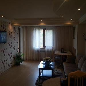 Hotel Pictures: Apartments Mori Plaza, Tsaghkadzor