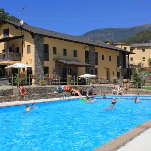 Hotel Pictures: Apartamentos Beta, Baro
