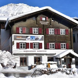 Hotel Pictures: Adventure Hostel, Klosters