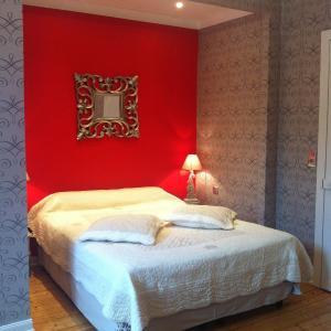 Hotel Pictures: Manoir De Montflambert, Mutigny