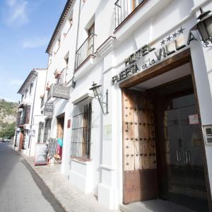 Hotel Pictures: Puerta de la Villa, Grazalema