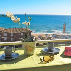 Hotel Pictures: Bianca Seaview & Beach Apartment, Montgat
