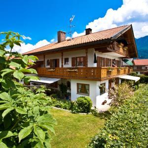 Hotelbilleder: Ferienhaus Andreas, Krün