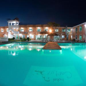 Hotel Pictures: Hotel Carluz, Atacames
