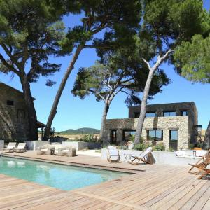 Hotel Pictures: Maison De Vacances - Aspiran, Aspiran