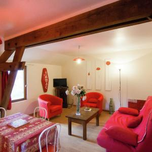 Hotel Pictures: Holiday home Les Coquelicots, Bourgnac