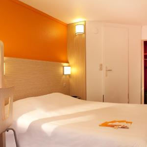 Hotel Pictures: Premiere Classe Valenciennes Ouest Petite Foret, Petite Forêt