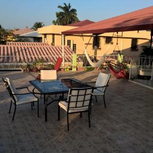 Hotel Pictures: The Red Hut Inn, Belize City