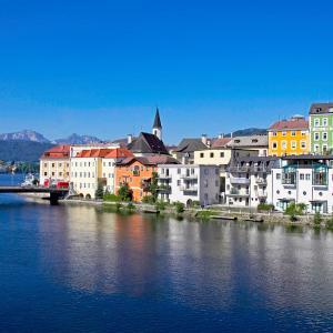Hotel Pictures: Keramikhotel Goldener Brunnen, Gmunden