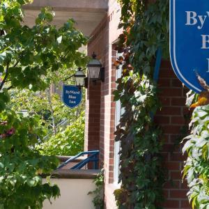 Hotel Pictures: ByWard Blue Inn, Ottawa