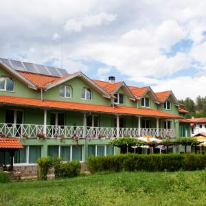 Hotel Pictures: Hotel 1876, Apriltsi
