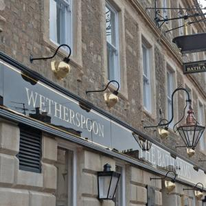 Hotel Pictures: The Bath Arms Wetherspoon, Warminster
