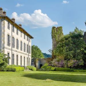 Hotel Pictures: Abbaye du Palais, Thauron