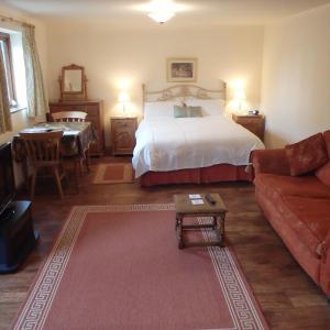 Hotel Pictures: The Courtyard, Laurel Farm, Lowestoft
