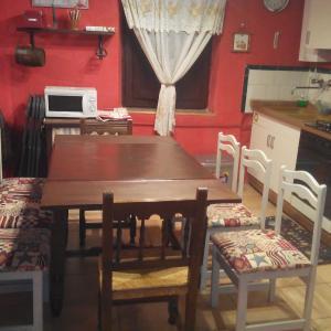 Hotel Pictures: La Casa de Eusebio y Vicenta, Diustes