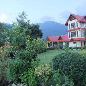 Hotel Pictures: OYO 1700 Manla Homes, Shimla