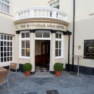 Hotel Pictures: The Wyndham Arms-Wetherspoon, Bridgend