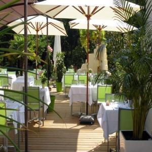 Hotel Pictures: Logis Le Pont Bernet, Le Pian-Médoc