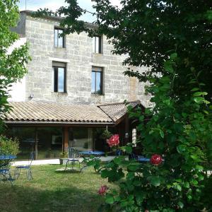 Hotel Pictures: Hotel Entre 2 Mers Proche Bordeaux, Carbon-Blanc