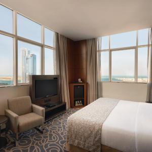 Фотографии отеля: Ramada Abu Dhabi Corniche, Абу-Даби
